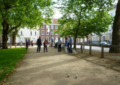 students-taking-french-tuition-at-alliance-francaise-de-bristol-are-playing-petanque_7913697906_o