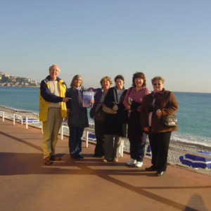 sur-la-promenade-des-anglais-with-students-taking-french-lessons-with-us_3547382702_o-square