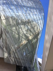 Martine, one of our native French tutors, takes us around the Fondation Vuitton